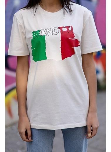 Bernotti 79 Beyaz Baskı Detaylı Sıfır Yaka Kadın T-Shirt Beyaz